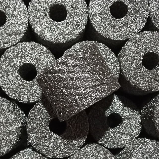 Knitted mesh compressed gaskets and washers